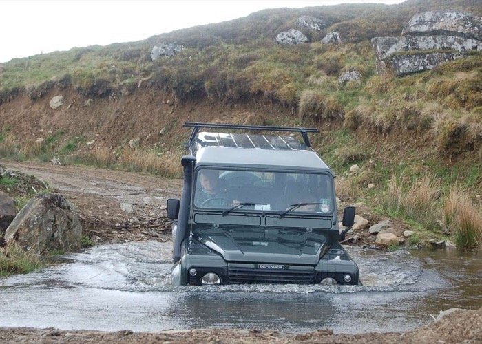 Een tocht met een Land Rover Defender in de Highlands